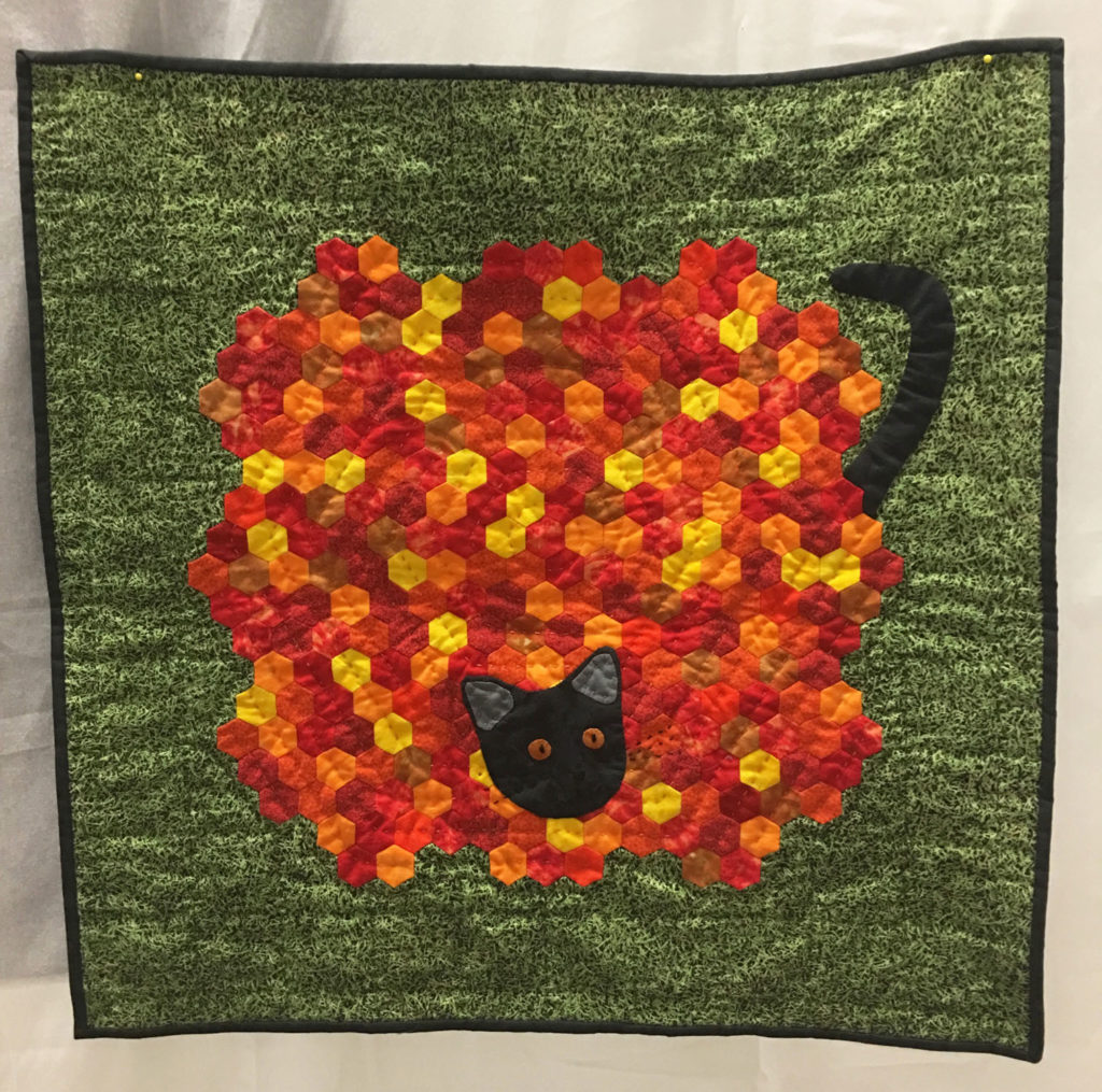 1255 Cat Peeking out of Leaves by Marcie Mathis, 3rd Place Challenge Non-Traditional, 2018 Kitsap Quilt Show