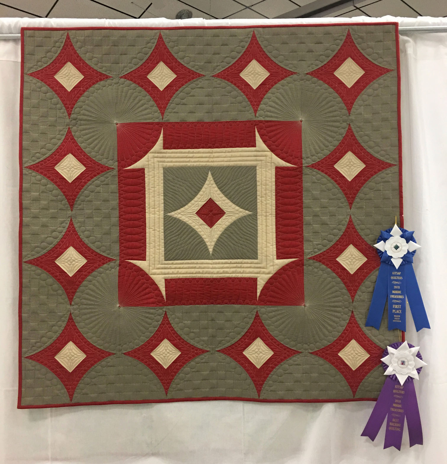 "515A ""French General the Modern Way"" by Pam Knight, 1st place Med. Individual Quilt and Best Machine Quilting, 2018 Kitsap Quilt Show"